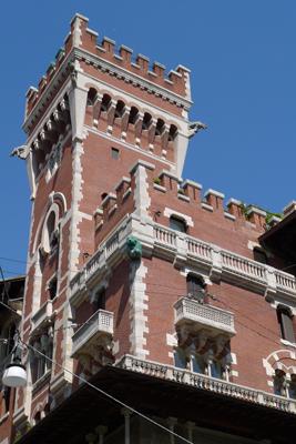 Italy, Milano, Alfredo Coppedè, Palazzo Viviani Cova