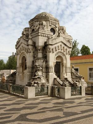 Lisboa, Cemitério do Alto de São João, Viscondes de Valmor