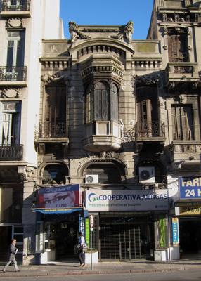 Montevideo, Avenida 18 de Julio