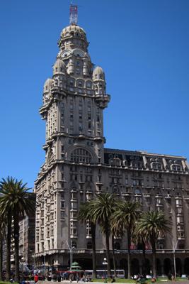 Montevideo, Plaza de la Independencia, Palacio Salvo, Mario Palanti