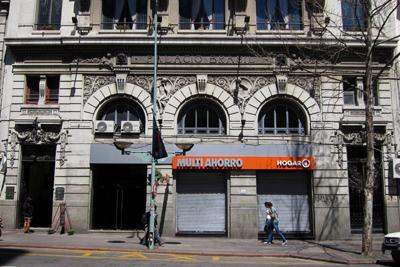 Montevideo, Avenida 18 de Julio, Palacio Brasil