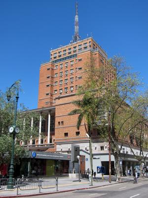 Montevideo, Avenida 18 de Julio, Palacio Municipal