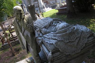 Montevideo, Cementerio Central, de Lavarello