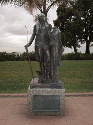 Uruguay, Montevideo, Rambla Presidente Wilson, George Washington statue