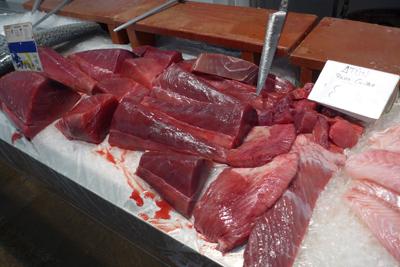 España, Spain, Cádiz, mercado, tuna, atún