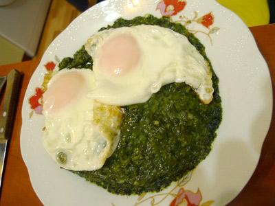 Romania, Bucharest, Bucureşti, spinach, spanac cu oua ochiuri