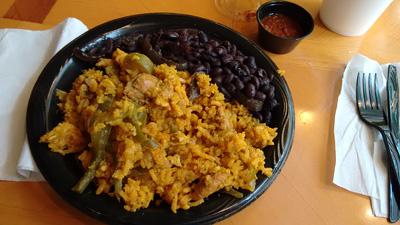 USA, Iowa, Cedar Rapids, The Lost Cuban, arroz con pollo