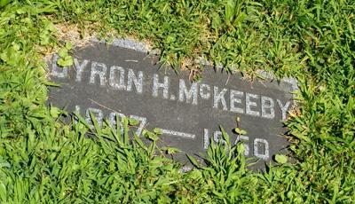 USA, Iowa, Cedar Rapids, Oak Hill Cemetery, Byron McKeeby