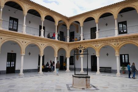 España, Andalucía, Osuna, Colegio-Universidad de la Purísima Concepción, patio